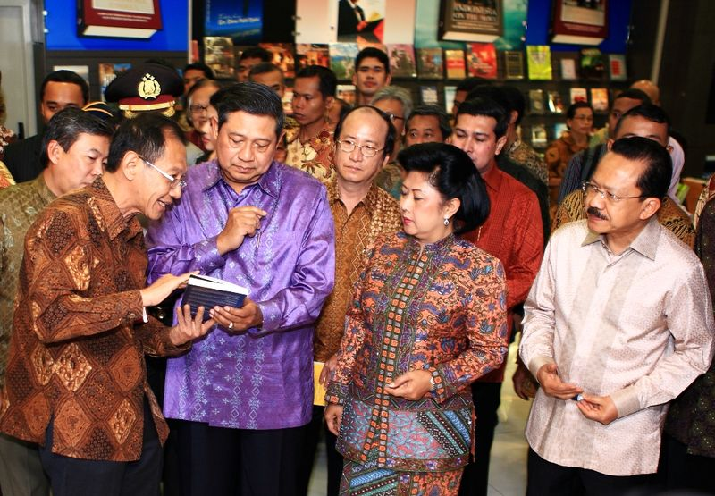 02 HK + SBY