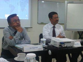 From Left to Right : Drs. Rusdi Saleh (Ketua) , Dr. Arie Budhiman, M.Si. (Kepala Dinas Pariwisata Pemda DKI Jakarta)