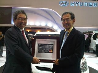 Yongkie Sugiharto,CEO Hyundai Indonesia, and Hermawan Kartajaya